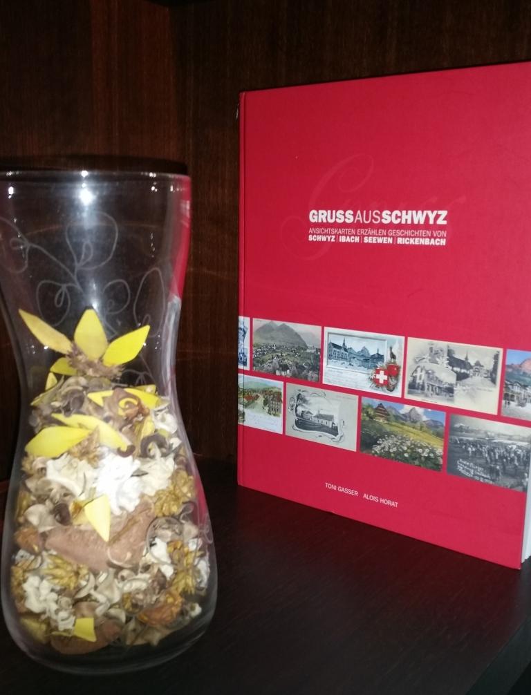postcard book schwyz