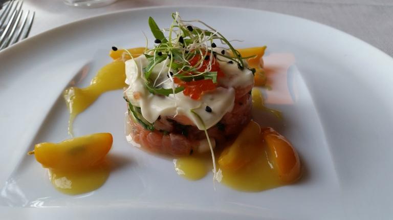 starter salmon tartar