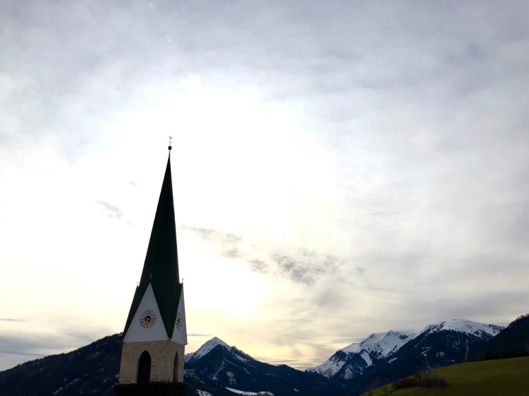 church moutains west.